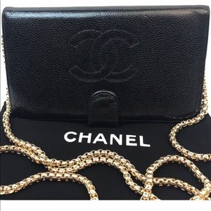 CERTIFIED AUTH. CHANEL CAVIAR LEATHERCC LOGOWALLET